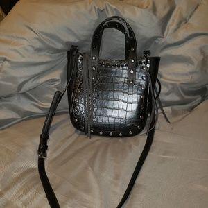 Handbags - Faux alligator skin & grommet black purse EUC